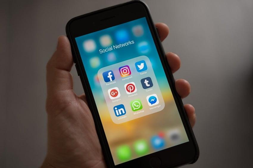 Social Media - tehnici de vanzare
