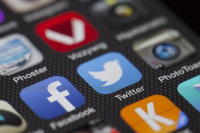 social media si blogul